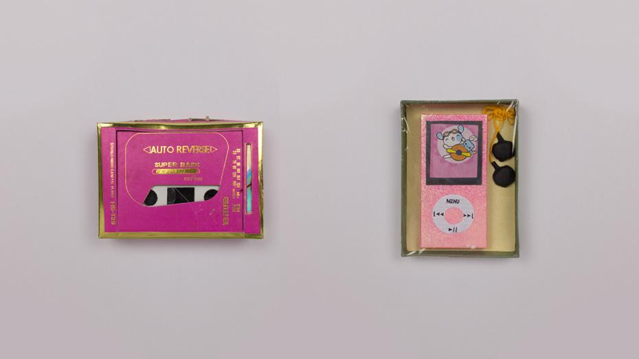 Paper replica casette player and ipod